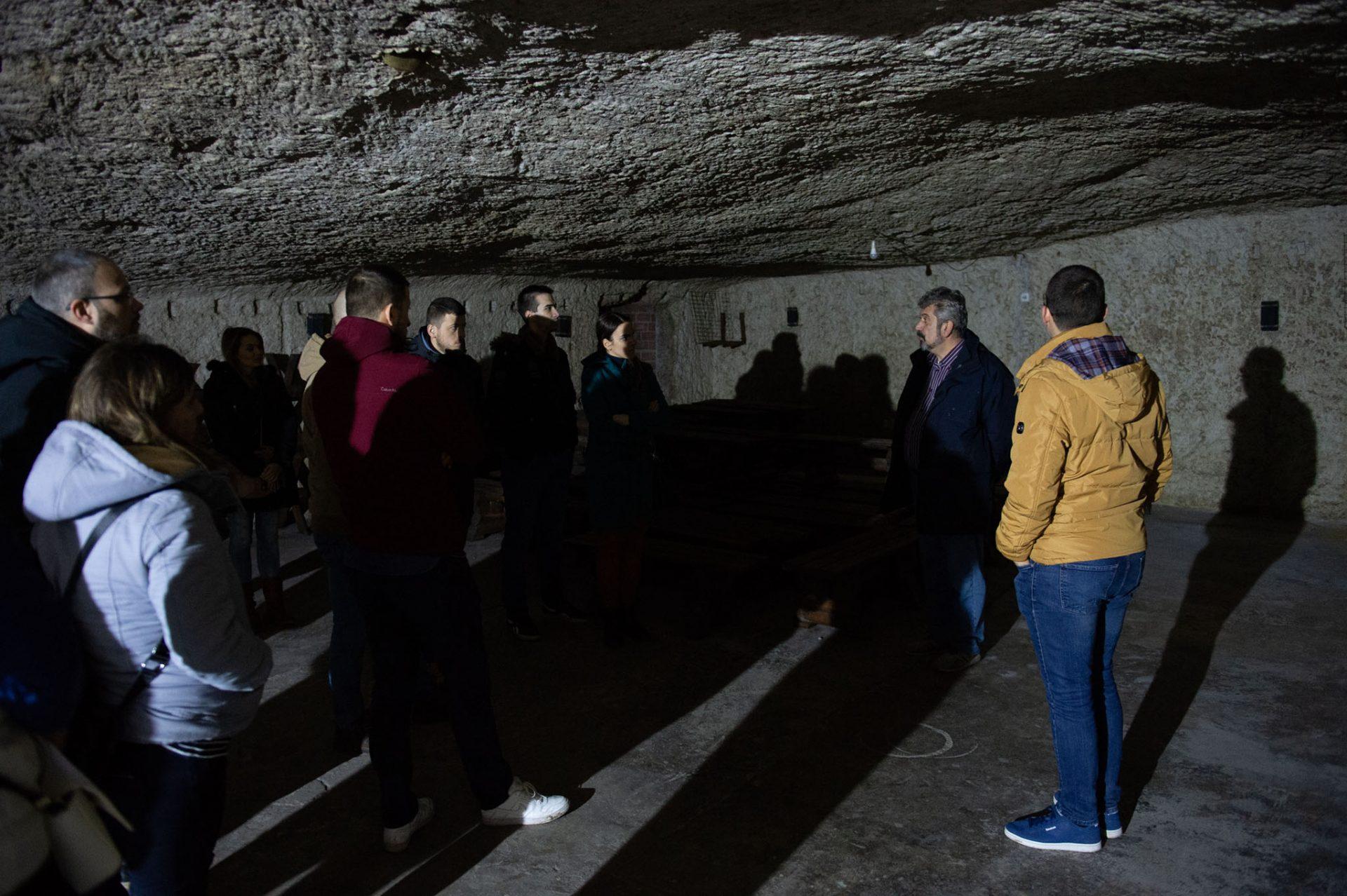 Lagum, veštačka pećina, Karađorđeva ulica